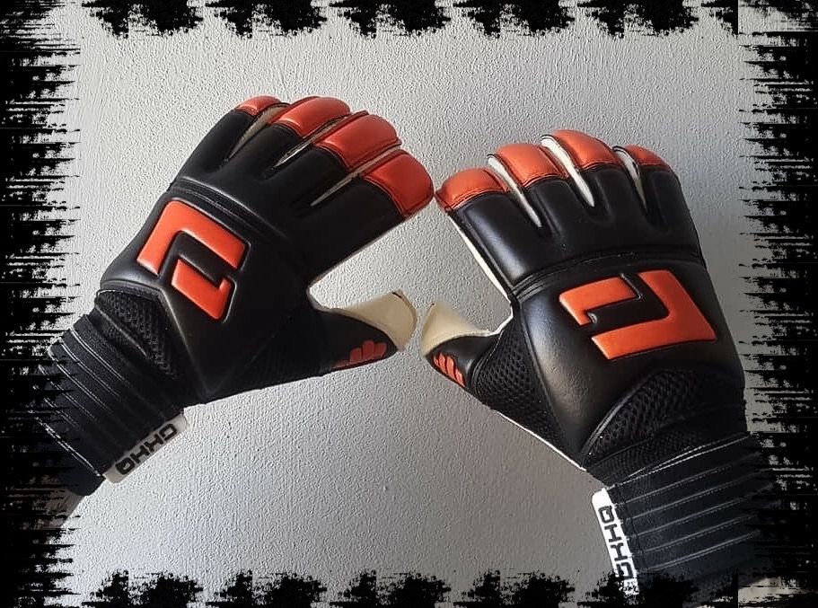 L1 Goalkeeping Gloves